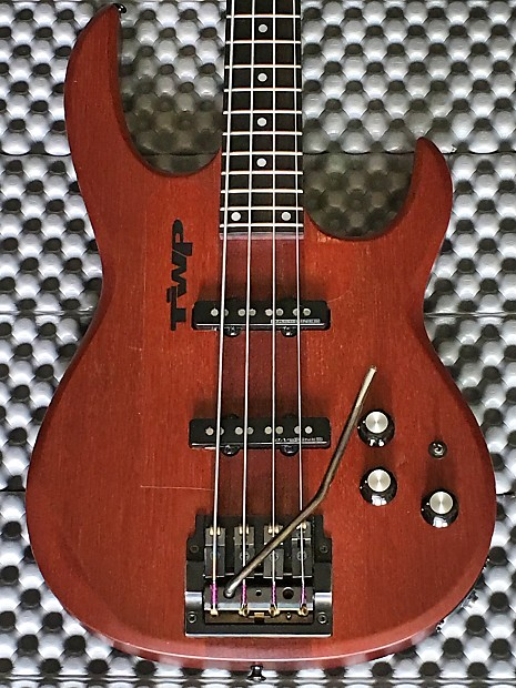 Carvin Lb20 Bass Guitar With Whammy Bar Reverb