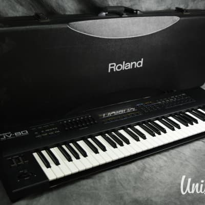 Roland JV-80 Vintage Synthesizer in Very Good Condition w/ Hard Case