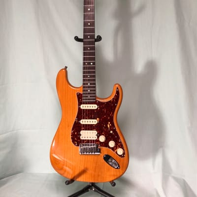 2007 Fender American Deluxe Stratocaster with Rosewood Fretboard, Amber for sale