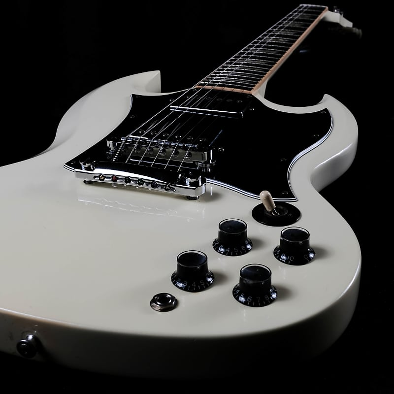 used 2006 gibson sg standard classic white with ohsc reverb. Black Bedroom Furniture Sets. Home Design Ideas