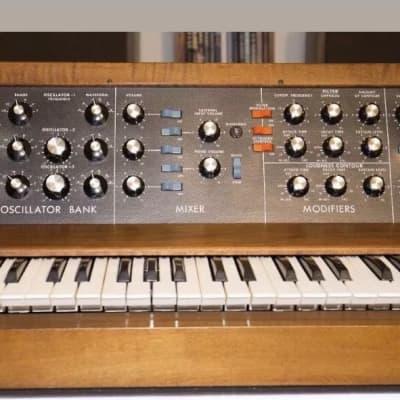 Moog Model D 1974 W/Manuals CV Tracker