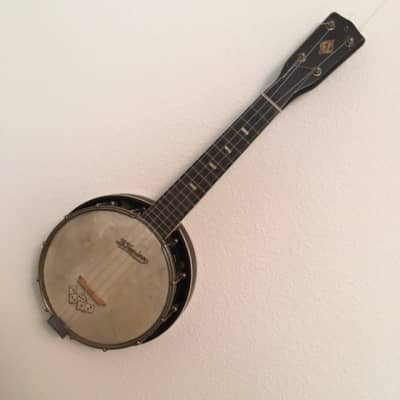 Le Domino Banjo-uke 1920-1940 for sale