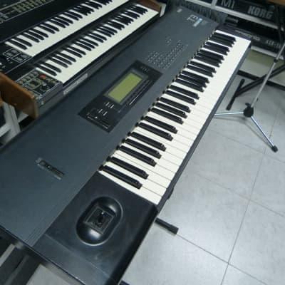 Korg T3 Music Workstation Black