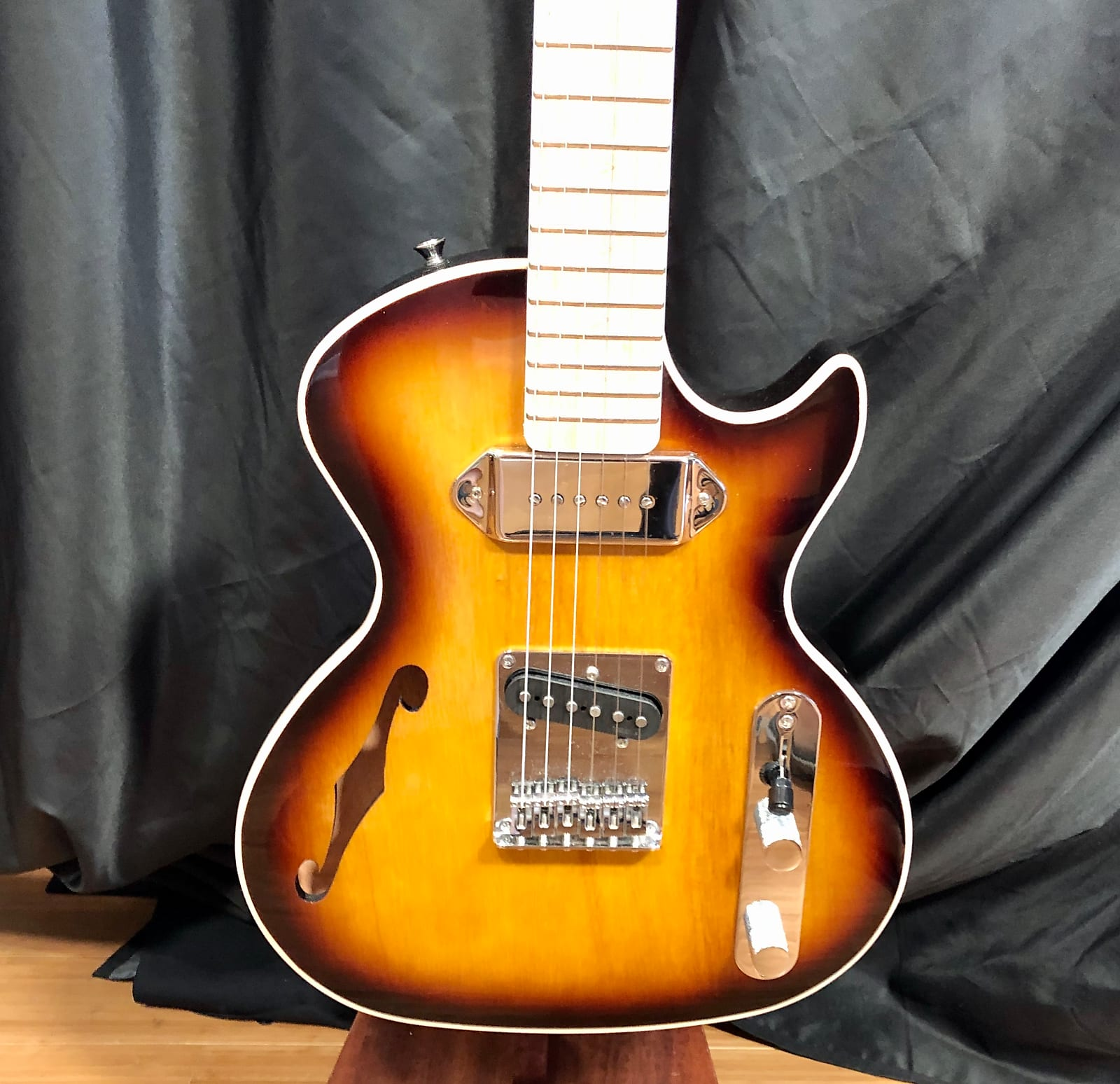 Bootlegger Guitar  Single Barrel Brown Burst Demo