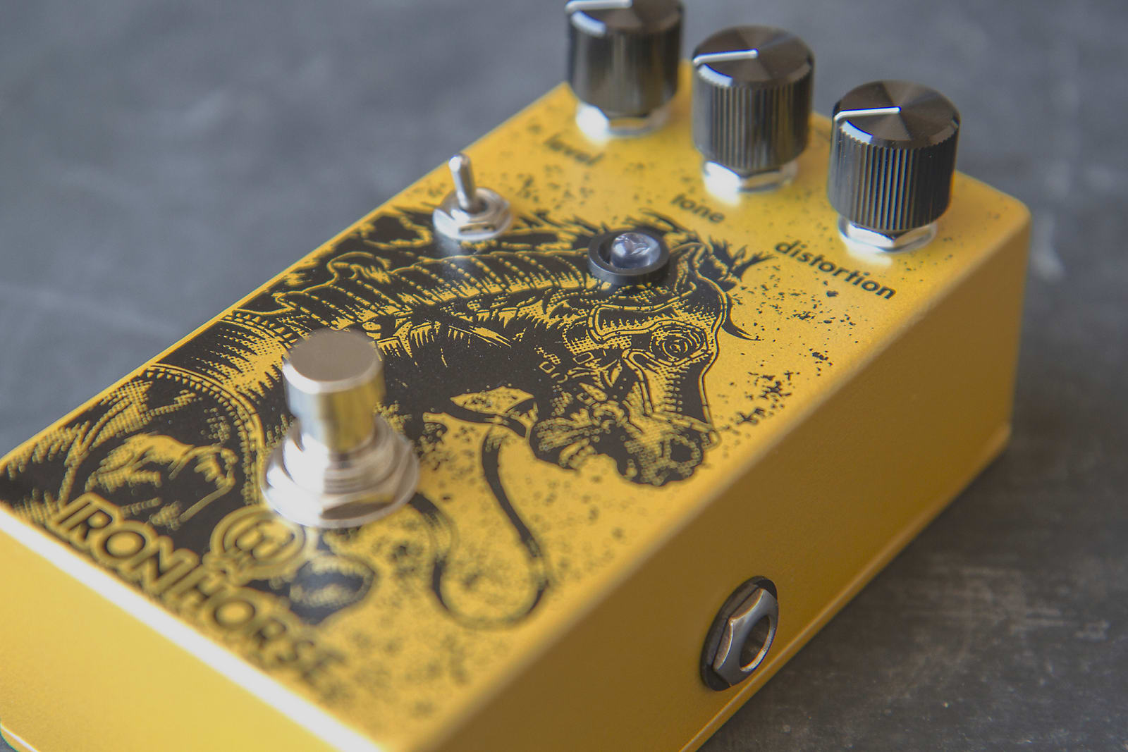 Walrus Audio Iron Horse V2 LM308 Distortion Effects Pedal