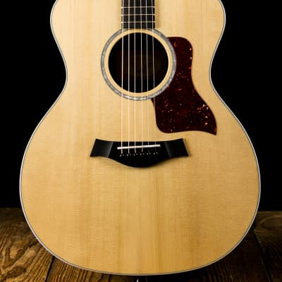 Taylor 214e DLX Sitka Spruce / Rosewood Grand Auditorium with ES2 Electronics 2015 - 2017