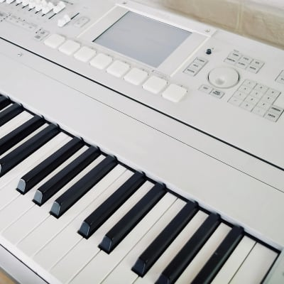 Korg M3 88 key synthesizer piano keyboard in excellent condition - synth