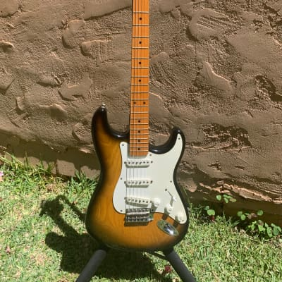 Fender 40th Anniversary 1954 Stratocaster Limited Edition  1994 2-Tone Sunburst for sale