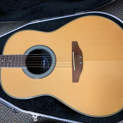 Applause AA21 Natural 2011 w/ case for sale