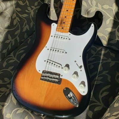 Fender ST57-105DMC 2004 2 tone sunburst