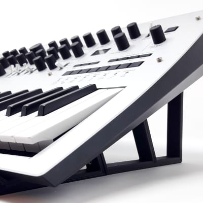 3DWaves Stands For The Korg Minilogue & Minilogue XD Polyphonic Analog Synthesizer v2