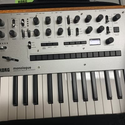 Korg Monologue Silver with soft case