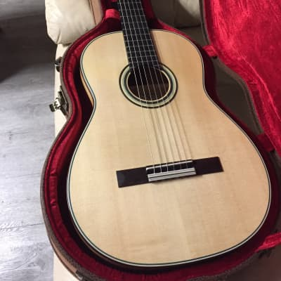 Thomas f60 nylon classical/flamenco guitar  with case blonde for sale