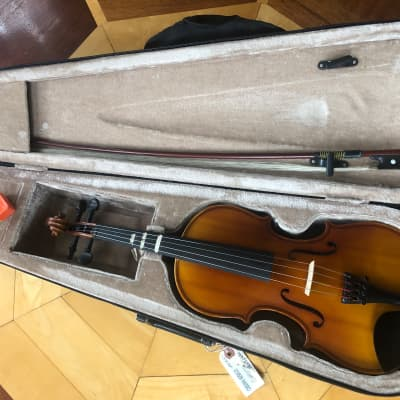 JOHN JUZEK 1/2 SIZE MODEL 85H VIOLIN-CASE - BOW