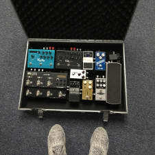 Pedaltrain PT-2 with hard case and Voodoo Lab PP2+
