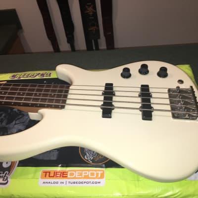 1994 MIJ Fender MB-5 Bass White W/OHSC