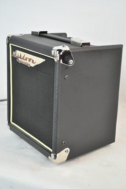 new ashdown tourbus 10 watt bass amp bass guitar amp bass reverb. Black Bedroom Furniture Sets. Home Design Ideas