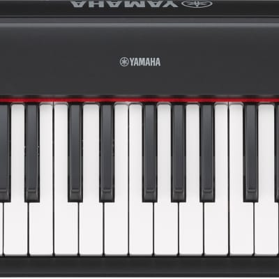 Yamaha NP32 76-Key Lightweight Portable Keyboard in Black