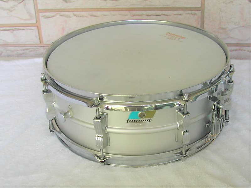 1970 ludwig acrolite snare drum kit complete and beautiful reverb. Black Bedroom Furniture Sets. Home Design Ideas