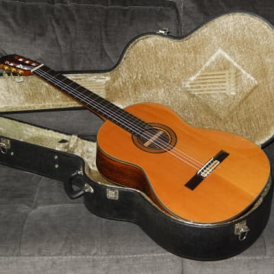 MADE IN 1988 - ARIA AT50 - SIMPLY GREAT CLASSICAL GUITAR IN VERY GOOD CONDITION for sale