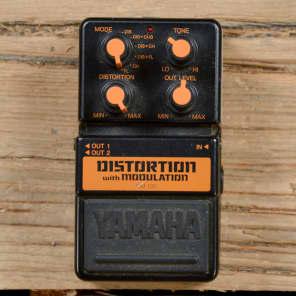 Yamaha DM-100 Distortion with Modulation