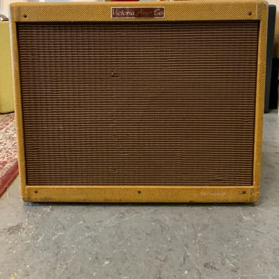 Victoria 50212-T Double Deluxe Tweed 2x12 Electric Guitar Tube Amp for sale