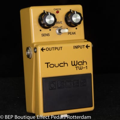 Boss TW-1 Touch Wah 1978 s/n 7800 with Silver Screw and Clear Switch Japan