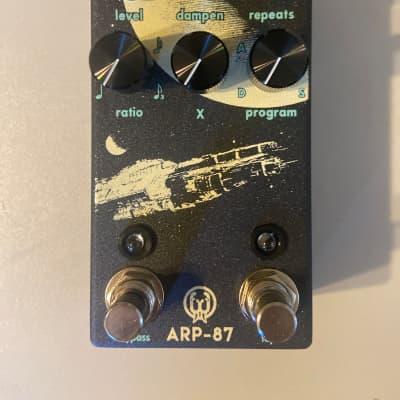 Walrus Audio ARP-87 Multi-Function Delay MINT CIB