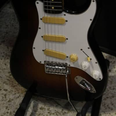 Fenix ST-10 Stratocaster Chitarra Elettrica Sunburst Made in Korea for sale
