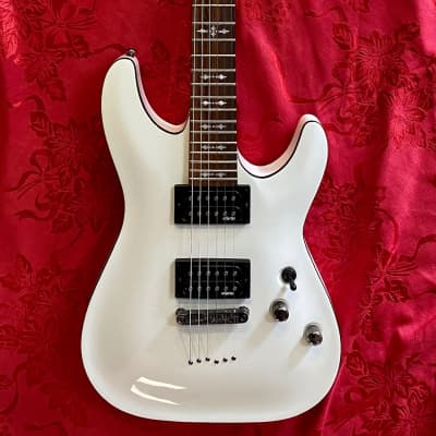 Schecter Omen-6 Vintage White Guitar for sale