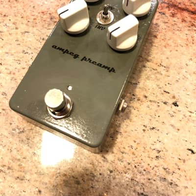 Airis Effects Ampeg Preamp Overdrive