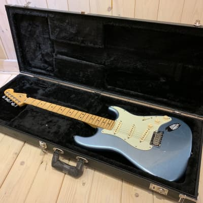 Fender American Deluxe Stratocaster Plus 2018 Blue for sale