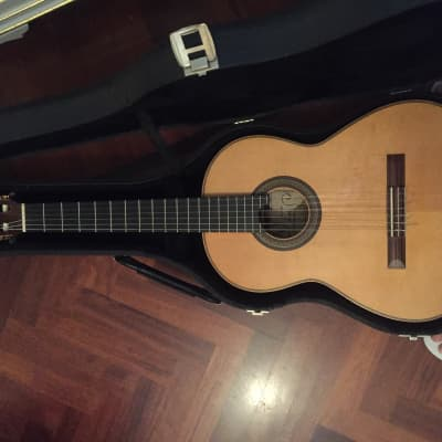 classical italian concert guitar, handmade in 1998 by Filippo Avignonesi lutist for sale