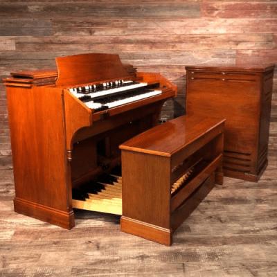 Hammond RT-3 Organ with Leslie Speaker 1955 - 1973