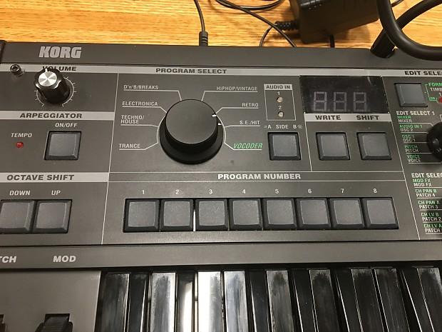 Korg Microkorg All Black Limited Edition Black Keys and Body