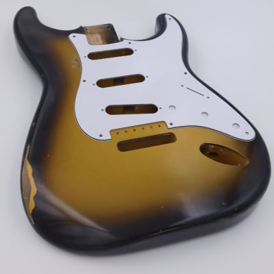 Guitar Mill Stratocaster 2021 Two Tone Nitrocellulose (Relic) With Pat. Pend. Bridge