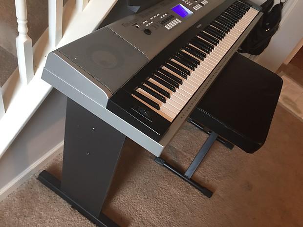 Yamaha dgx 530 88 key portable grand piano with bench 2014 for Yamaha piano 88 keys