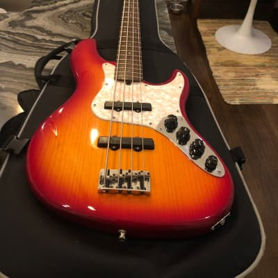 Fender American Deluxe Jazz Bass Sunburst 2006 for sale