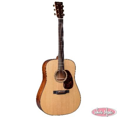 Martin Modern Deluxe D-18 Includes Hard Case