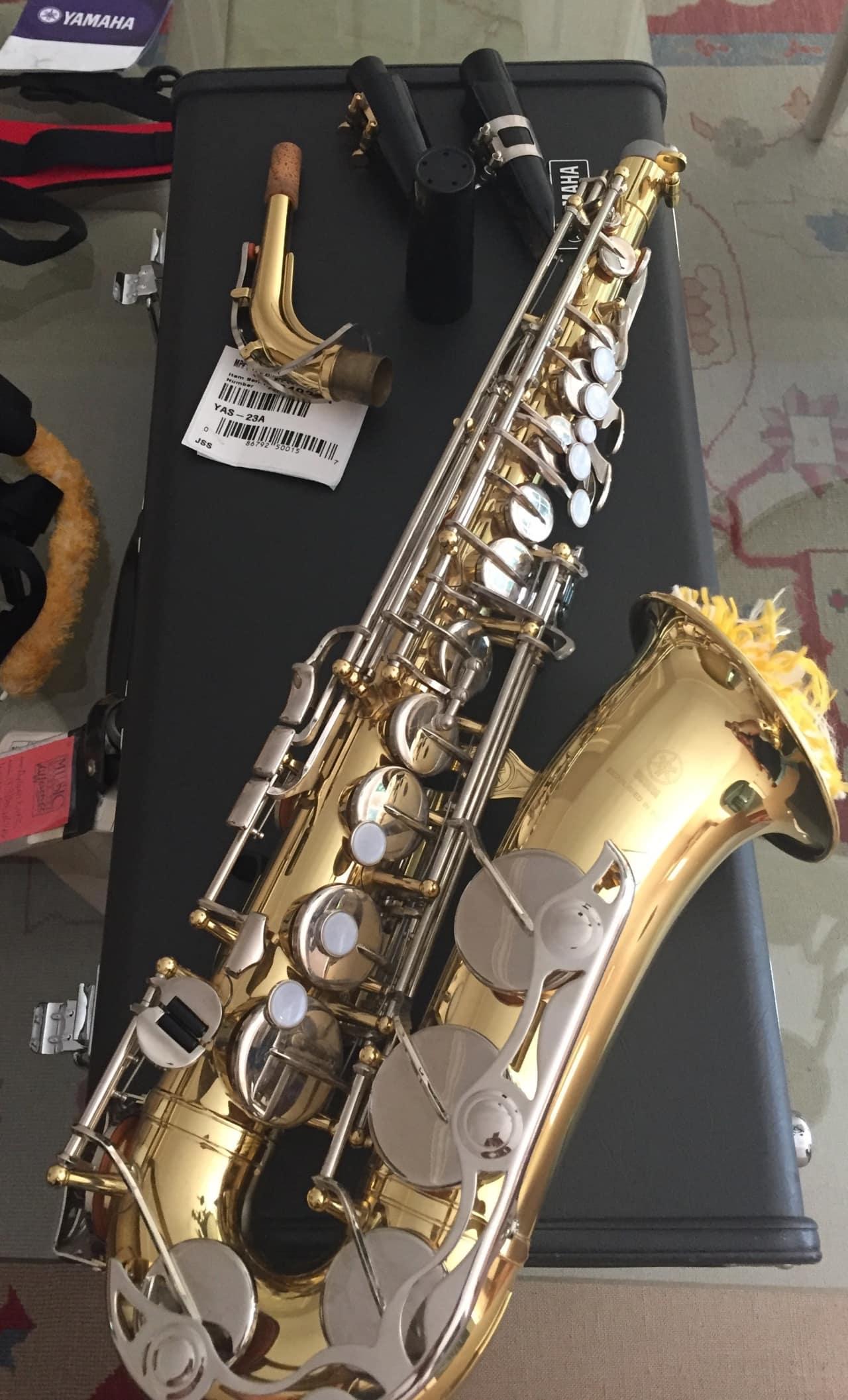 Yamaha yas 23 alto saxophone 2005 brass chrome alto sax for Yamaha student saxophone