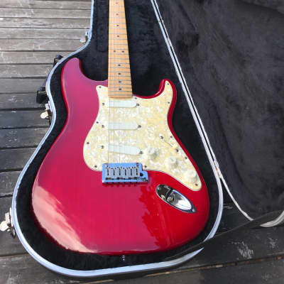 Fender Strat Plus Deluxe Electric Guitar 1993