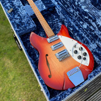Rickenbacker Rose Morris Model 1998 (re-issue from 1991) for sale