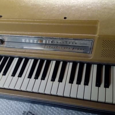 Wurlitzer Keyboards, Guitars and Organs | Reverb