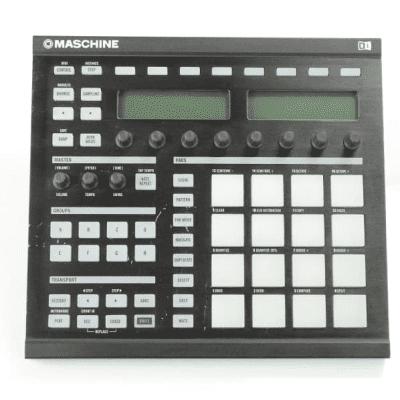 Native Instruments Maschine mkI Music Production Studio