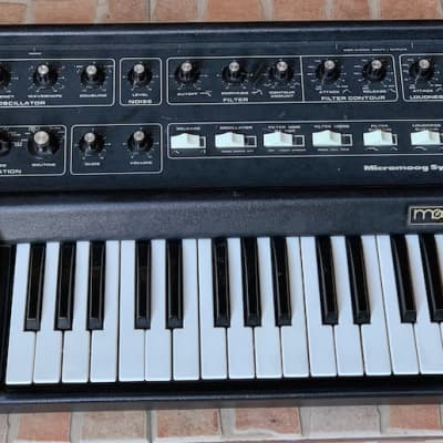 Moog Micromoog Vintage Analog synthesizer Read description.