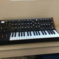 Moog Sub 37 Tribute Edition 2015 Black / Brown
