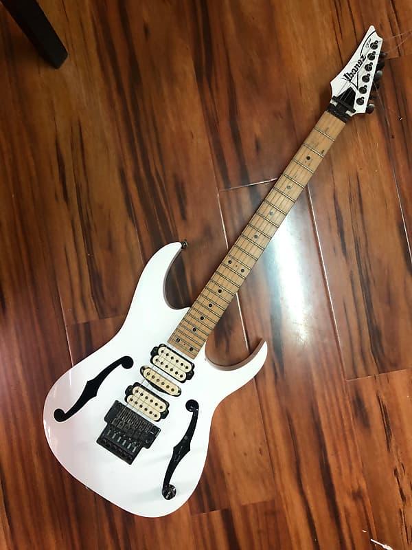 ibanez pgm300 2001 white metronome guitar sale in myanmar reverb. Black Bedroom Furniture Sets. Home Design Ideas
