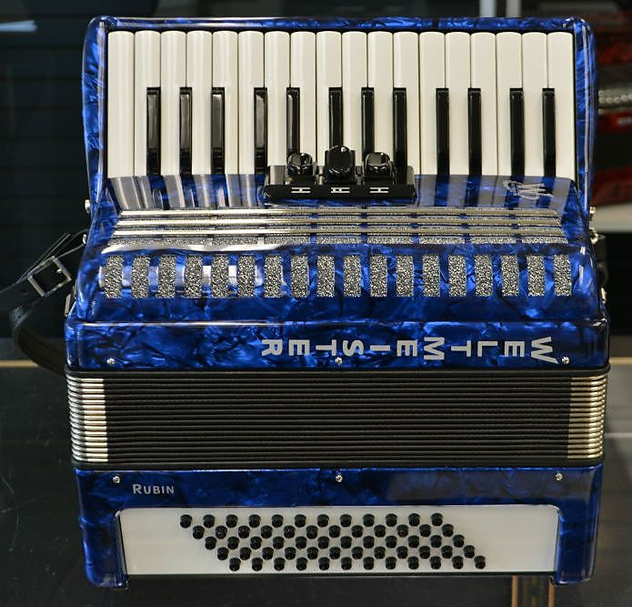 Weltmeister Rubin 60 Bass Piano Accordion Blue