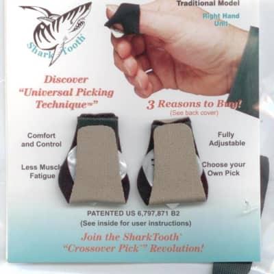 SharkTooth Traditional Crossover Thumb Pick 2020