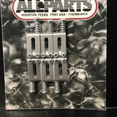 Allparts BP-0927-011 RECTANGULAR BRIDGE SADDLES WITH OFFSET SCREW Pearl Satin Chrome